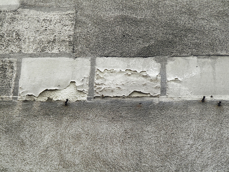 Condensation, infiltrations et remontées capillaires s'imposent comme les principale sources d'humidité à l'intérieur des habitations